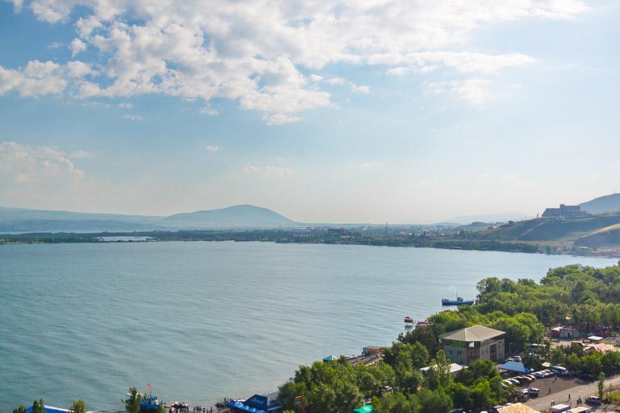 На прибрежной территории Севана государство выявило 770 га территории, подлежащей очистке