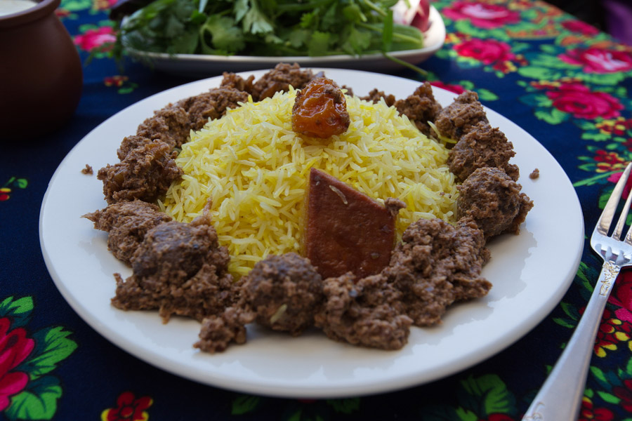 Azerbaijani cuisine - interesting features and popular dishes