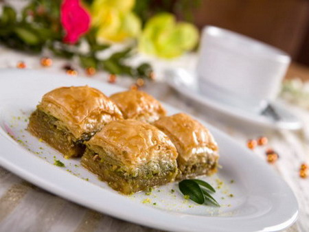 Aromatic and nourishing Azerbaijani sweets