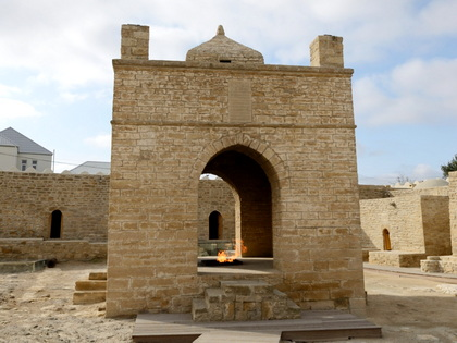 Tour to Absheron Peninsula and Old Baku