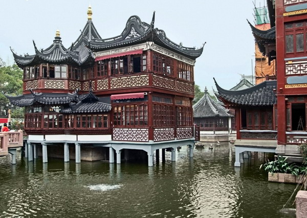 One of the main features of chinese styled buildings is a concave roof