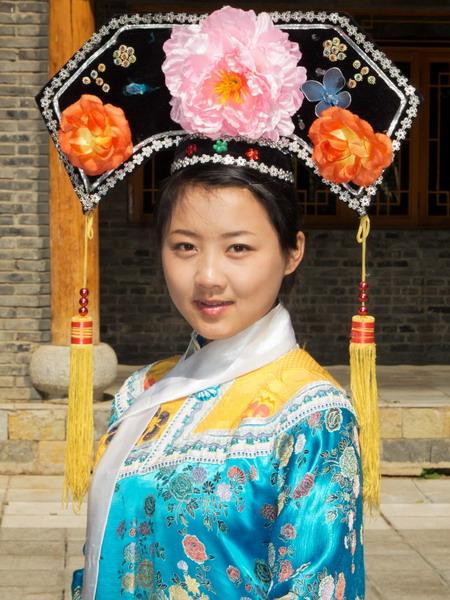 liyang muslim Xi'an sudah lama ditinggali komunitas muslim china dan mereka hidup  namun yang paling dicari oleh wisatawan adalah naik perahu melintasi sungai li yang .