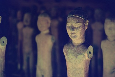 Figures of warriors from the Yanlin mausoleum