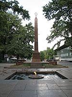 Памятник жертвам октябрьской революции