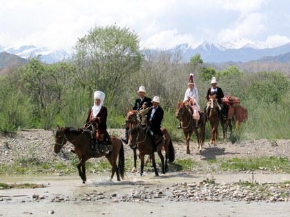 Конный тур по Кыргызстану-2: Бишкек, ущелье Чычкан, село Кара-Суу, озеро Сары-Челек, Токтогул