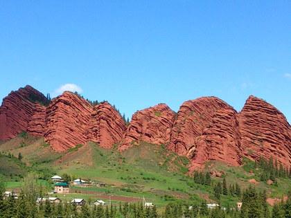 Пеший тур по Кыргызстану 1: Бишкек, Каракол, Светлая поляна, Джети-Огуз, Национальный парк Каракол