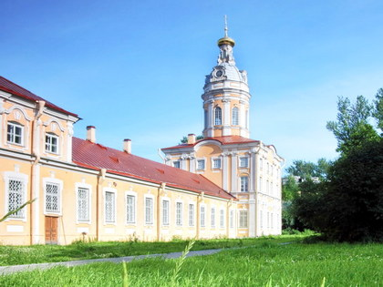 City Tour by Car in St Petersburg: Alexander Nevsky Lavra (additional excursion)