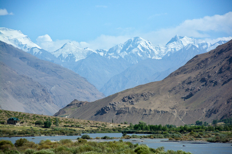 Pamir Mountains, Tajikistan on map of taklimakan desert, map of western ghats, map of afghanistan, map of aral sea, map of sierra madre occidental, map of bhutan, map of mongolia, map of kashgar, map of tibet, map of indus river, map of uzbekistan, map of zabul province, map of madagascar, map of pakistan, map of tien shan, map of singapore, map of cordillera oriental, map of caspian sea region, map of bamyan province, map of yemen,
