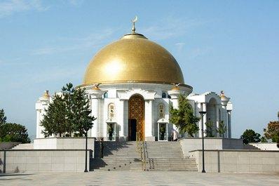 Turkmenbashi Mausoleum, near Turkmenbashi Ruhy Mosque, Ashgabat vicinities