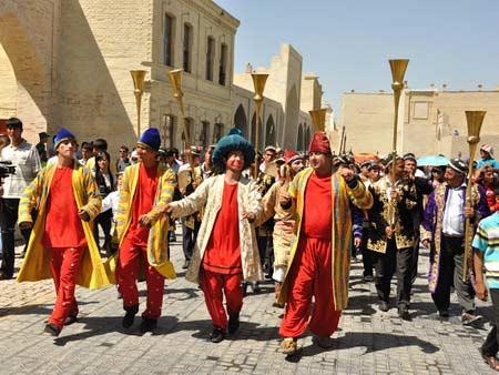 Usbekische Kultur – Traditionen, Kunst und Handwerke in ...
