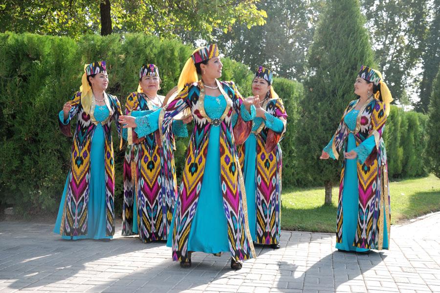 Узбекские народные костюмы картинки