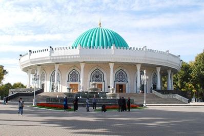 Amir Timur Square, Tashkent