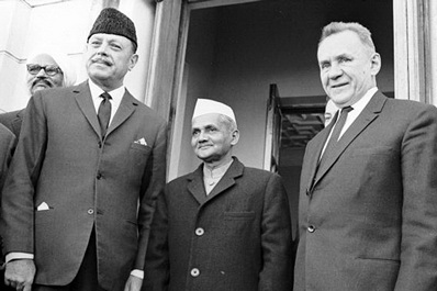 Pakistan President Ayub Khan, Indian Prime Minister Lal Bahadur Shastri and Chairman of the USSR Council of Ministers Kosygin, Tashkent, 1966