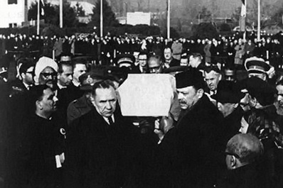Shastri funeral cortege with the chairman of the USSR Council of Ministers Kosygin and President Ayub Khan of Pakistan, Tashkent, 1966