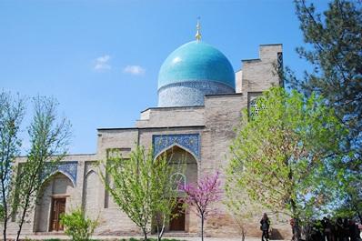 Mausoleum Kaffal Shashi, Hast Imam complex, Tashkent