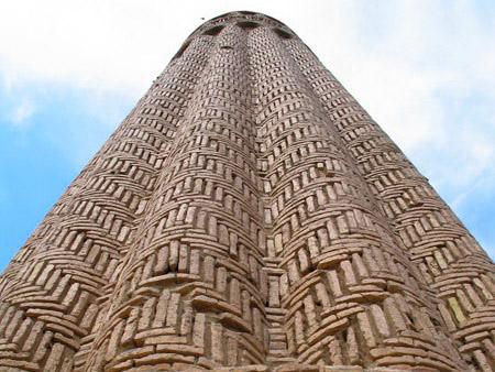 https://www.advantour.com/img/uzbekistan/tours/extention-termez/jarkurgan-minaret.jpg